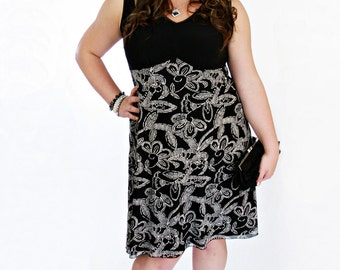 Sale! - size Medium - Summer Dress - Summer sundress - Chic summer clothing Black & Off white Flower print - size Medium - Floral print