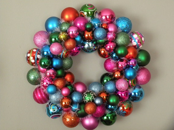 COLORFUL CHRISTMAS FESTIVE Ornament Wreath
