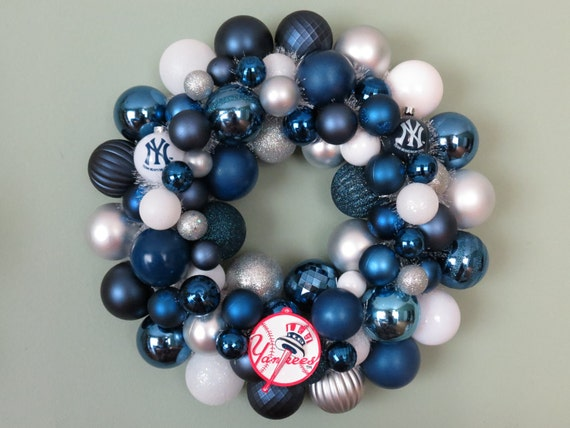 SALE take 10% off NEW York YANKEES Ornament Wreath with Team Logo