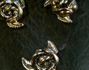 Rose Buttons, chicago screw backs,