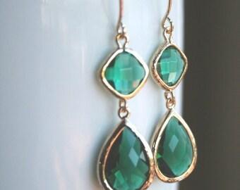 Gold Emerald Green Earrings. Gold Green Earrings.Dark Green Earrings. Bridesmaid Gift.Wedding Earrings. Bridal Jewelry. Bridesmaid Earrings.