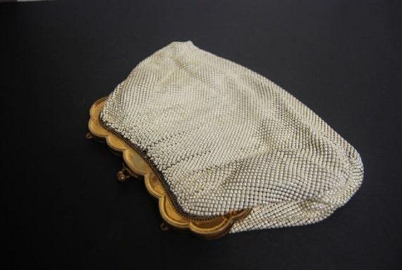 Antique WHITING DAVIS Ivory Off White Gold Frame Mesh Bag Purse