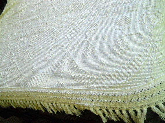 "Gorgeous snowy white chenille/hobnail full size bedspread with beautiful center design, garland, flowers, 6"" fringed trim"