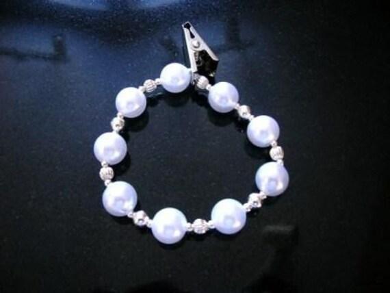 temple name card holder bracelet