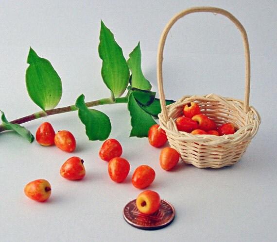 Apple Fruit  Basket -  Dollhouse 1/12  Miniatures