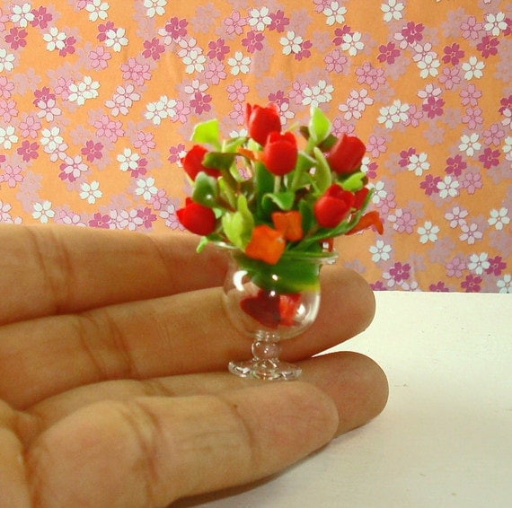 Red Roses - Flower Arrangement - Center Piece for Dollhouse 1/12 Scale