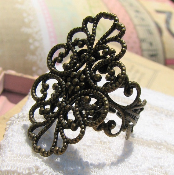 Adjustable Ring Blank / Filigree Ring Setting -- 4 pcs Antique Bronze Filigree Ring Component ... Great with resin cabochons / resin flowers