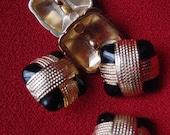 80s Vintage Retro Shank 5 Metal Buttons - Black With Goldtone Wrap