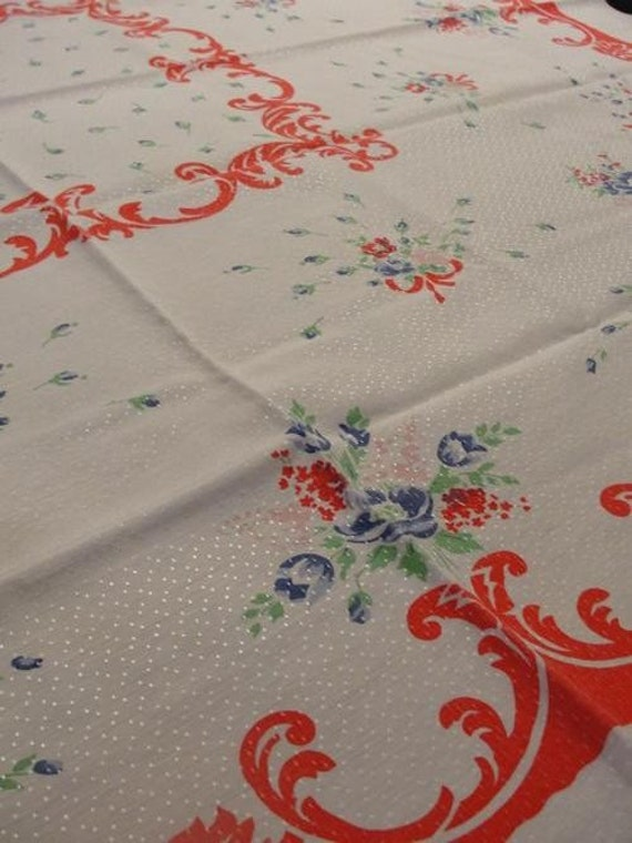 Vintage Red and White Floral Tablecloth and Napkin Set