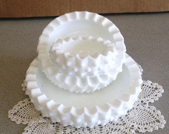 Vintage FENTON  Milk Glass Nested 3 Bowls In Nobnail Design.