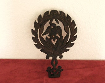 Vintage Cast Iron Trivet American Eagle Design.