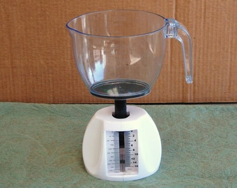 Mechanical Scale Kitchen Food With Measuring Cup Capacity 16 Oz by 1/2 Oz..
