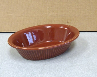 English Pottery Vegetable Serving Oval Bowl Casserole Dish.