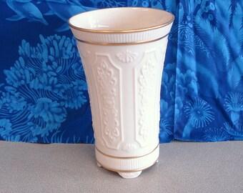 LENOX Hand Crafted 24K Gold Warranted Porcelain Vase.