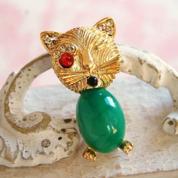 Vintage Winking Cat Jelly Belly Brooch