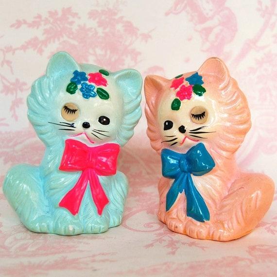 Vintage Winking Eye Cat Salt and Pepper Shakers