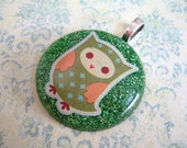 Green Glitter Pendant, Resin Jewlery, Giltter Jewelry, Resin Necklace, Owl Pendant, Green Resin Pendant