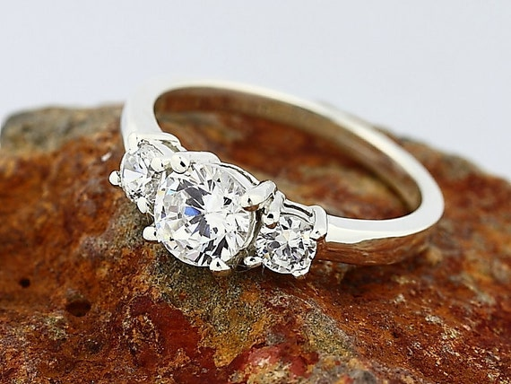 3 stones 1.85ct Cubic Zirconia  Solid  Sterling Silver Engagement  Ring Size7(Promotion)