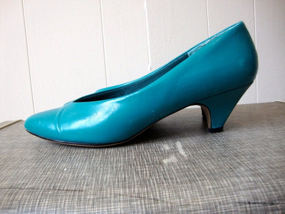 RETRO TEAL - Little Funky Low Heels - Jubilee - TURQUOISE Heels - Womens Sz 7.5