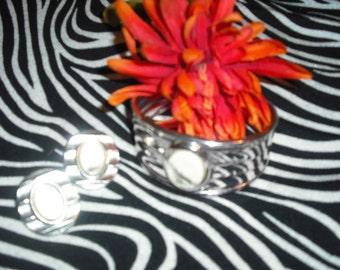 Vintage braclet and earrings