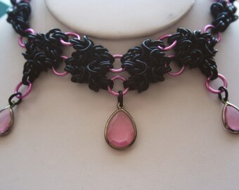 Tri-Byzantine Chainmaille Necklace in Black and Pink