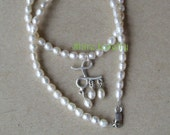Anne Boleyns Initial Pearl Necklace