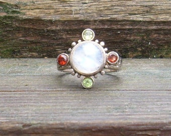 Moon Orbit Ring Red Garnet and Green Peridot