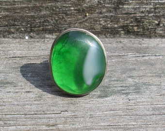 Glass Cabochon Ring  Green and White