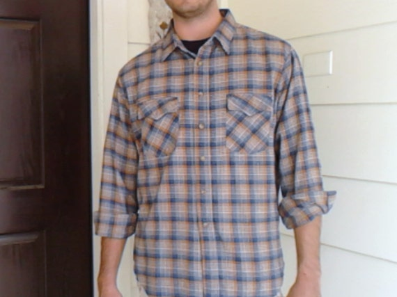 Camp shirt outdoor weekend fashion for men rustic Sears Roebucks men's  XL 17-17 1/2  plaid vintage