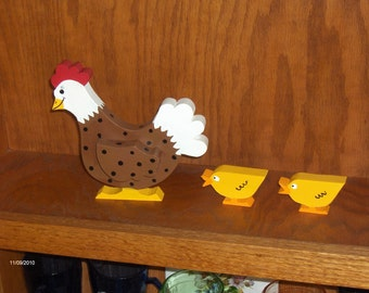 "The ""Oviedo"" Chicken with 2 Chicks, Woodworking by Sniffwhiskers"