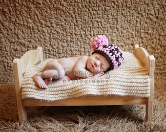 Lilly Hat with removable flower Newborn size Great for photo prop girl or boy FREE SHIPPING