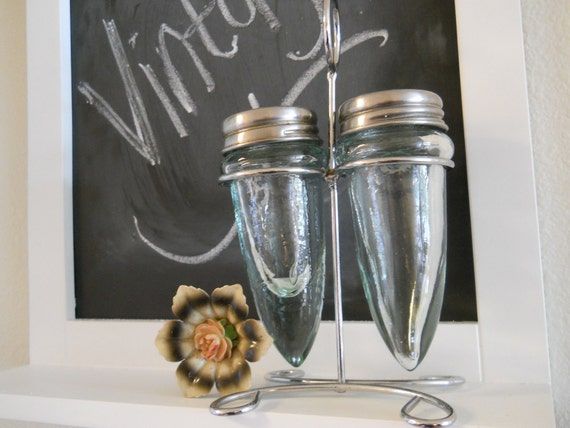Dagger Glass Salt & Pepper Shakers With Stand