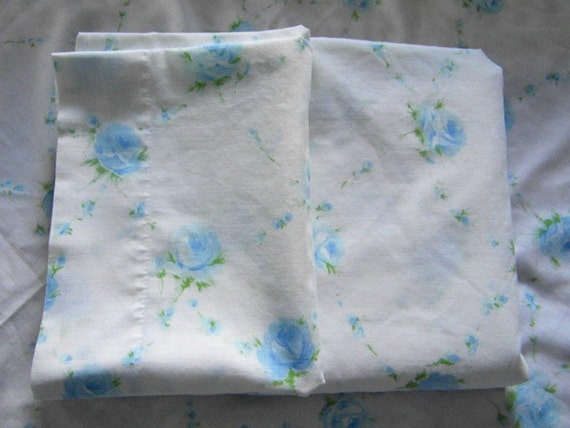 Vintage Blue Rose Full size fine muslin sheet set