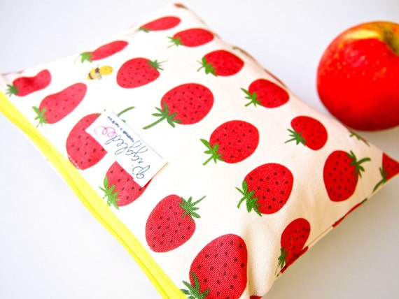 LAST ONE: Zippered Wet Bag Pouch with Waterproof Lining (Wet Bag) - Strawberries