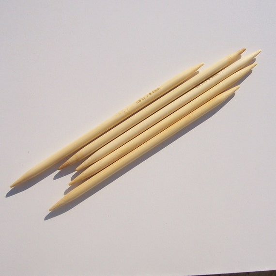 US 11 (8mm) Bamboo Double Pointed Knitting Needles - Set of 5