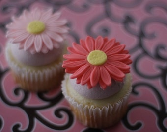 Daisy Flower Fondant Cupcake, Cookie or Mini-Cake Toppers for Birthday, Engagement, Baby Shower, Baptisms or Weddings