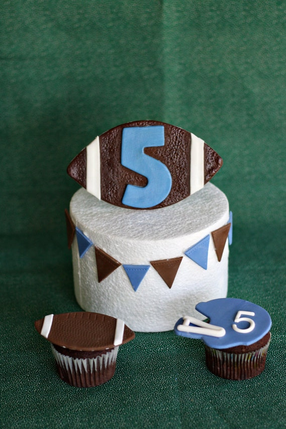 Cake Decorating Ideas For Football : Fondant Football Helmet and Pennant Cake Decorations and