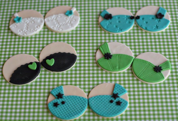 Fondant Bra Lingerie Toppers for Decorating Cupcakes, Cookies or Mini-Cakes Perfect for Bachelorette Parties