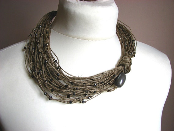 Grey raindrops - linen necklace