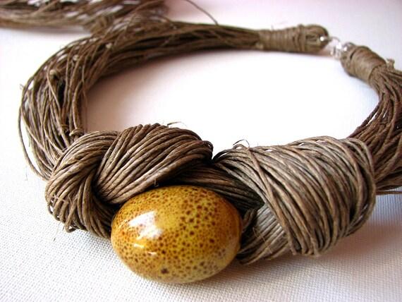 Big olive MustArd - linen necklace