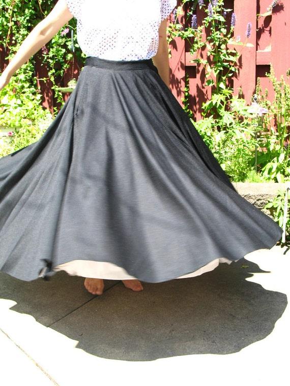Vintage Poodle Skirt /  70s does 50s / Full Circle Skirt / Polyester / Black / Adjustable Skirt