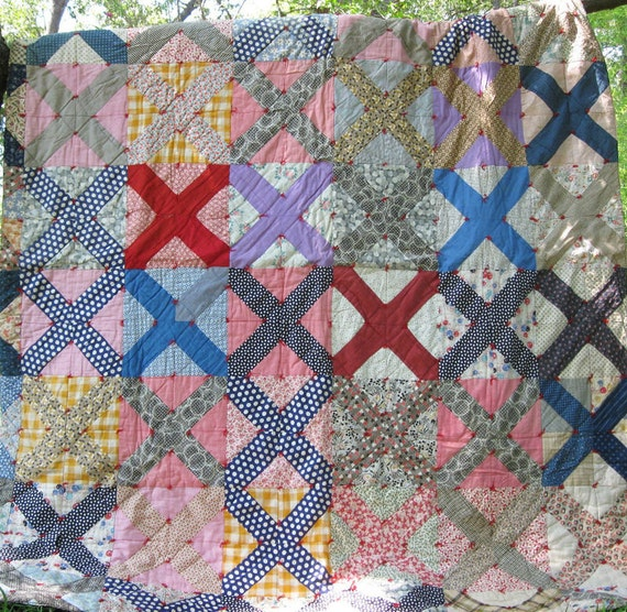 Fall Sale 20% Off, Put in SALE20 at checkout / Antique X in Block Vintage Quilt - Beautiful - Bright and Colorful