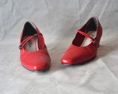 Red pumps 8.5 M