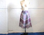 "V i n t a g e Skirt fall colors, waist 24"" size small"