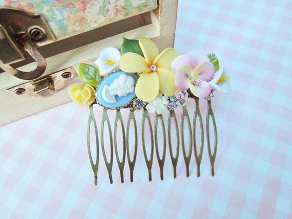 Summer Bouquet Hair Comb - Brightly Colored Flowers - Vintage Assemlby Hair Comb - Shabby Chic, Bridal, Pastel Hair Comb, OOAK