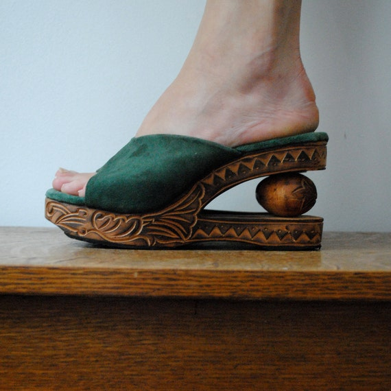 RESERVED wooden platform shoes in forest green suede (size 7)