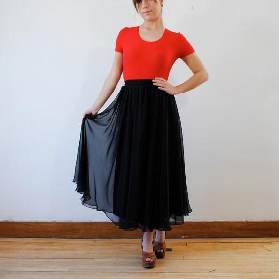 vintage skirt / black maxi skirt (s-m)