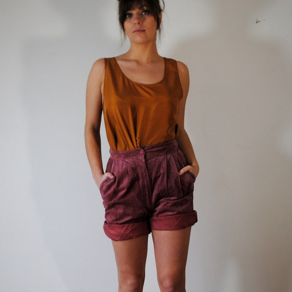 SALE vintage shorts / high waist pink suede shorts (s-m)