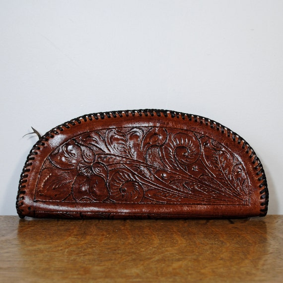 vintage wallet purse / tooled leather clutch