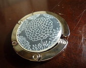 Foldable Purse Hook Japanese Chiyogami Silver Mum
